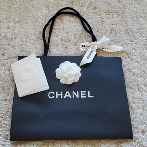 CHANEL shopping bag ONLY